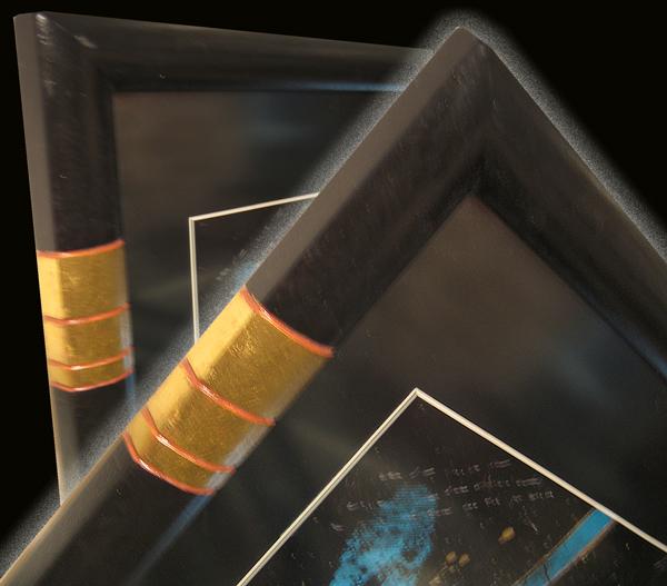 Rahmen mit Verzierung Gold