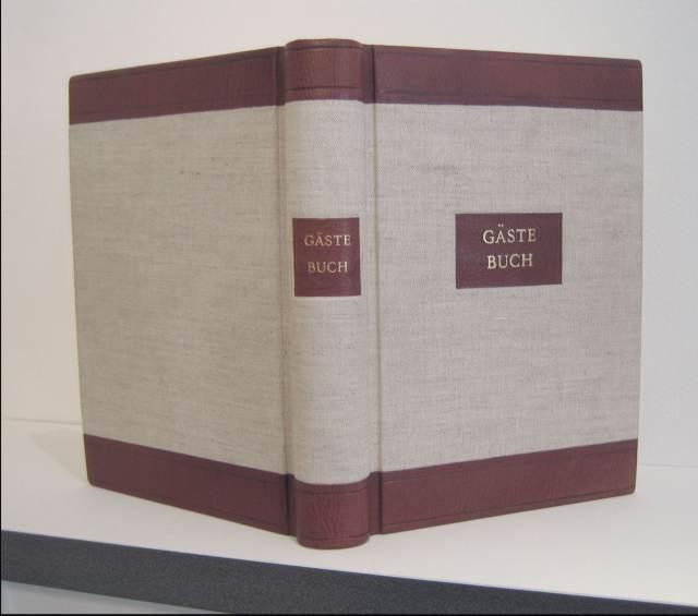 Sprungrückenbuch 2 – Gästebuch mit Titelschild