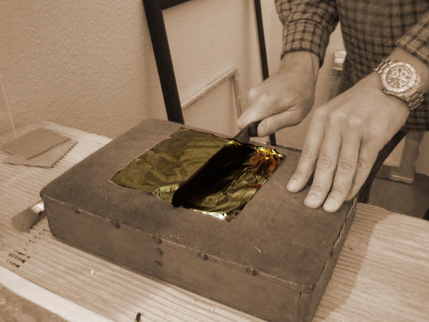 Vergolderkissen mit Schlagmetall