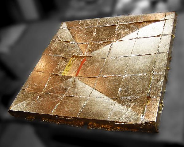 Holzplatte vergoldet