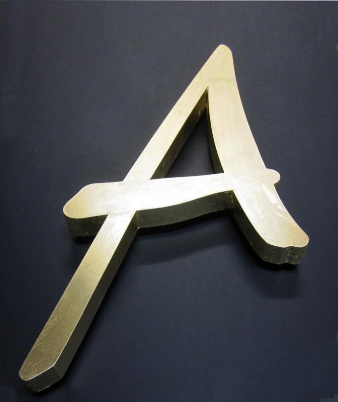 Buchstabenvergoldung A